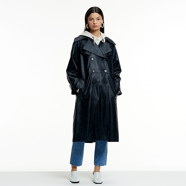 FAKE LEATHER OVERFIT TRENCH COAT BLACK페이크 레더 오버핏 트렌치코트 블랙