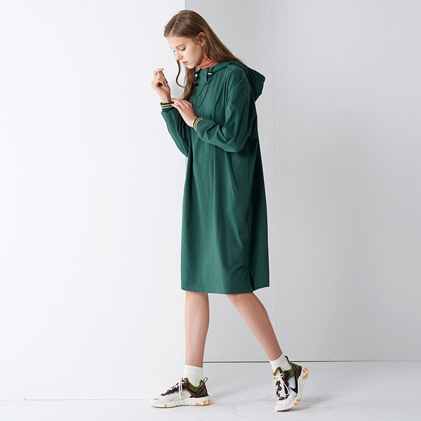 바코드 롱후드 원피스 그린 BAR-CODE LONG HOOD ONE-PIECE GREEN PINBLACK